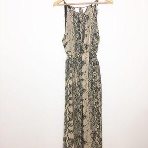 Maternity maxi dress trendy snake print large EUC